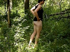 16 pictures - Spying on peeing in forest teen