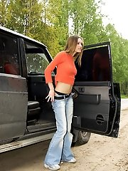 15 pictures - Spying on very beautiful teen peeing near car