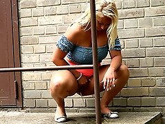 0  - Public pissing for gorgeous blonde in tight skirt