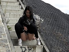 0  - Public pissing for stunning raven haired babe