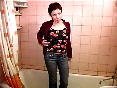 4 movies - Miniature teen puss relieves herself into the tub